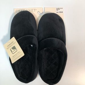 Cabernet foam cushion slippers in black size 7-8